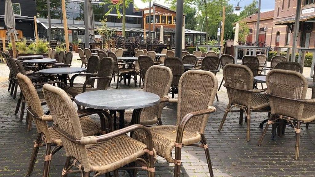 Mogen de terrassen weer open? Foto: Omroep Gelderland