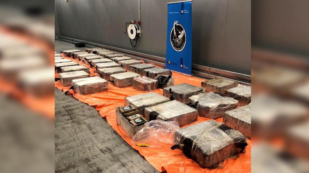 Niet alleen computerspullen maar ook 570 kilo cocaïne in container, chauffeur (52) opgepakt