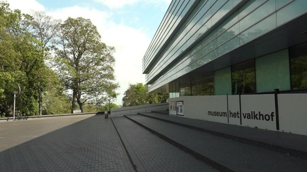 Sleutel Museum Het Valkhof overgedragen aan gemeente Nijmegen