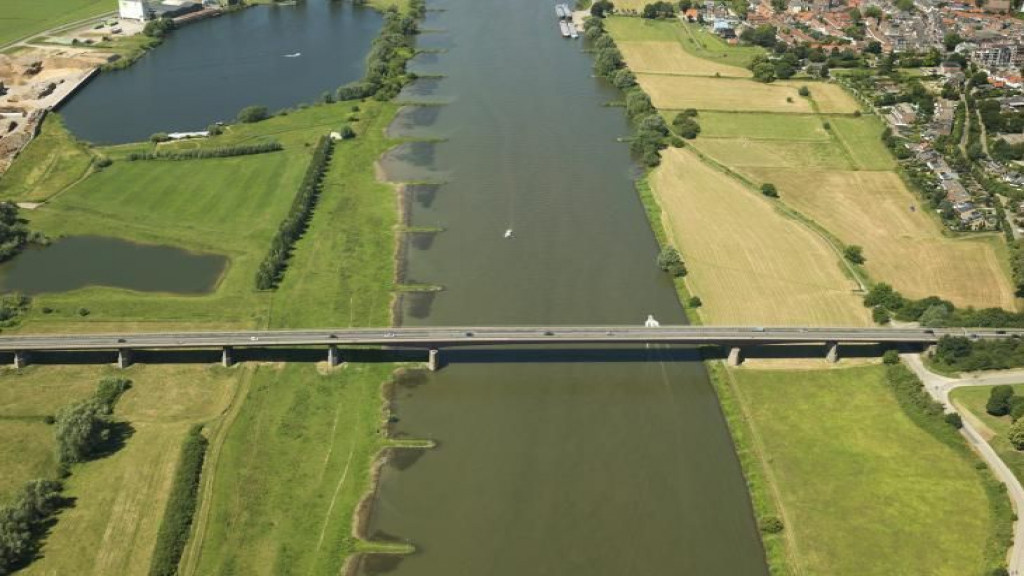 Vertraging projecten Rijnbrug Rhenen en Rondweg-Oost Veenendaal