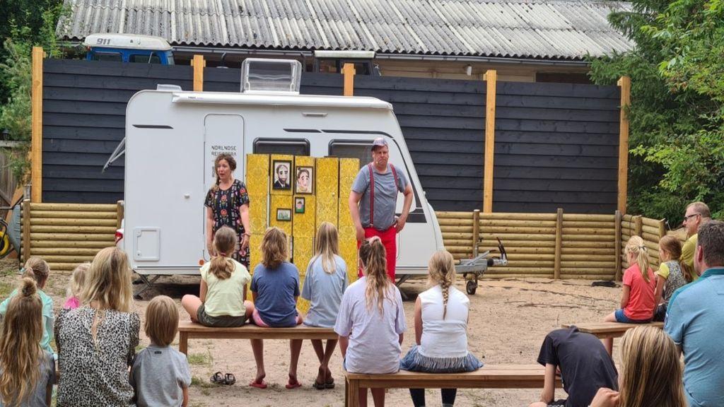 Operette kijken op de camping Foto: Omroep Gelderland/Hans de Herdt