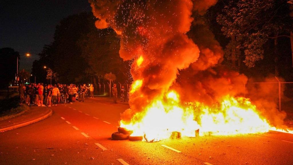 'Harteloos, verschrikkelijk en verwerpelijk', ministers reageren op protest Harskamp