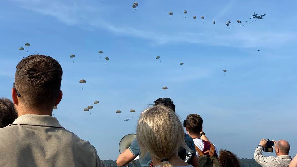 VIDEO | Beleef de Airborne-herdenking hier nog een keer