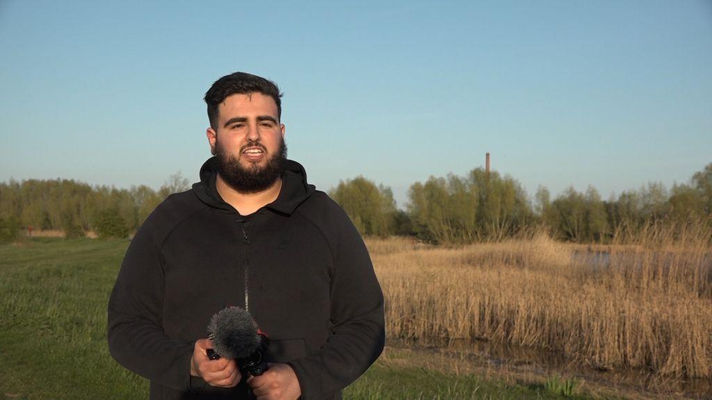 Aziz wil coronakilo's kwijt en legt alles vast met zijn vlogcamera