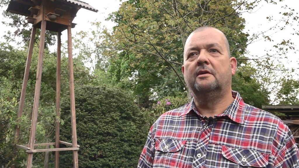 Eric bouwt vogelhuisjes in tuin, maar moet honderden euro's voor vergunning betalen