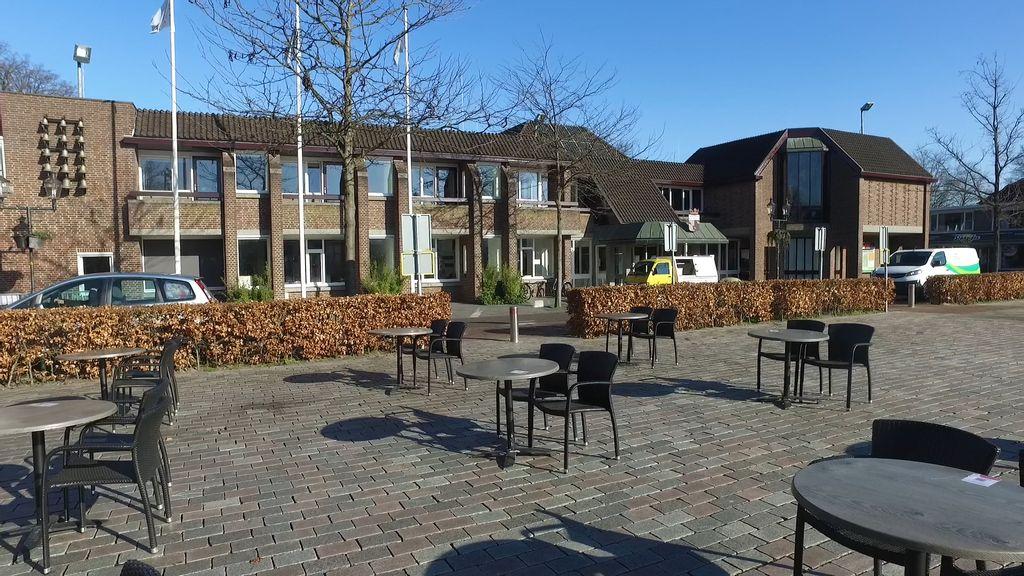Horeca in Nunspeet doet mee aan landelijke actie: terrassen buiten gezet, maar niet open