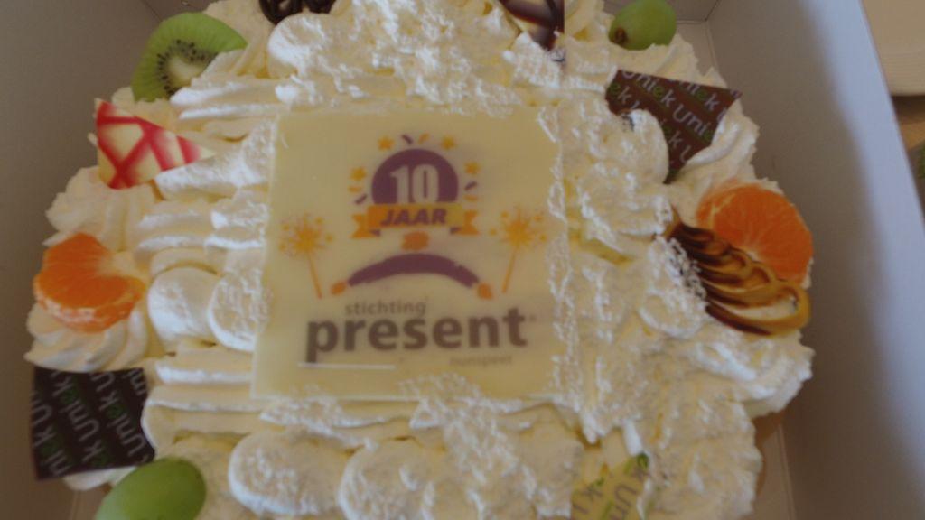 Stichting Present Nunspeet viert 10 jarig bestaan