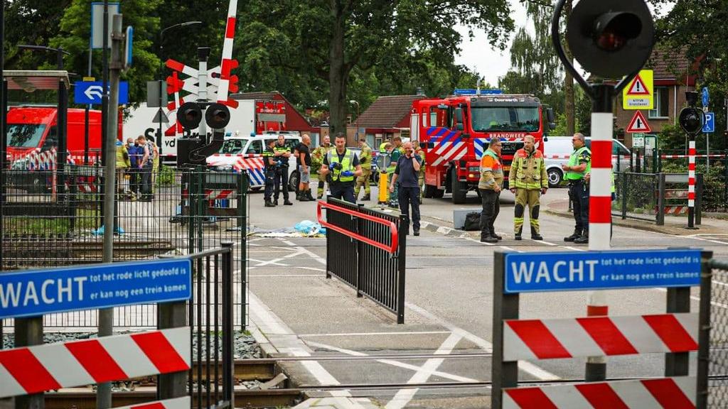 Buurt is na dodelijk ongeluk helemaal klaar met gevaarlijke spoorwegovergang