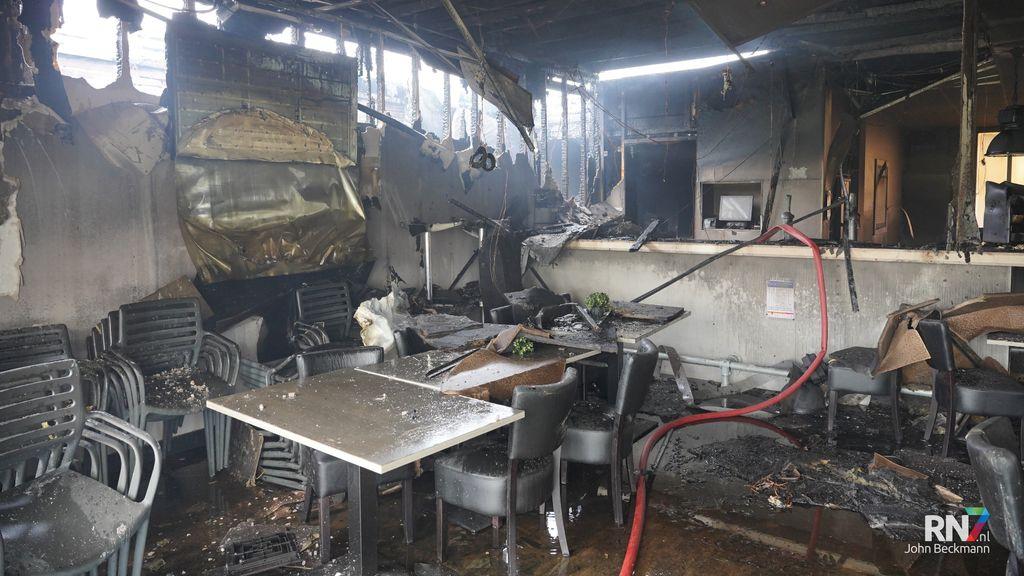 Clubhuis SCP verwoest door brand. Foto: John Beckmann / RN7