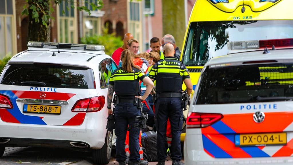 Steekpartij in woonwijk, man raakt gewond
