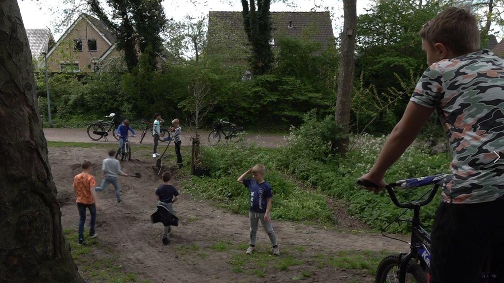 Opknapbeurt 'crossbos' Wezep splijt buurt: 'Ik wil dat het weer kindvriendelijk wordt'