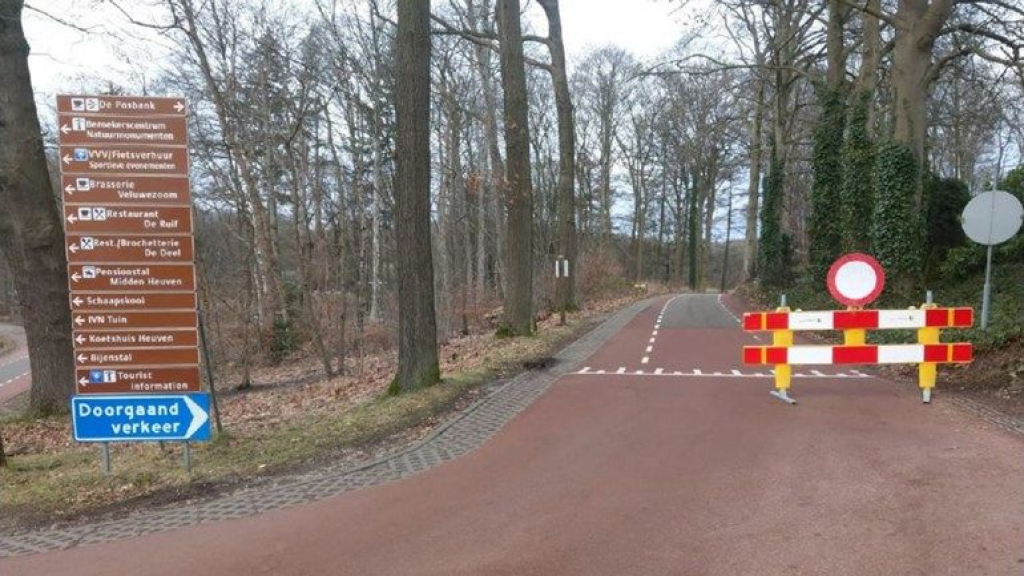 Experiment met verkeersregelaars op drukke Posbank