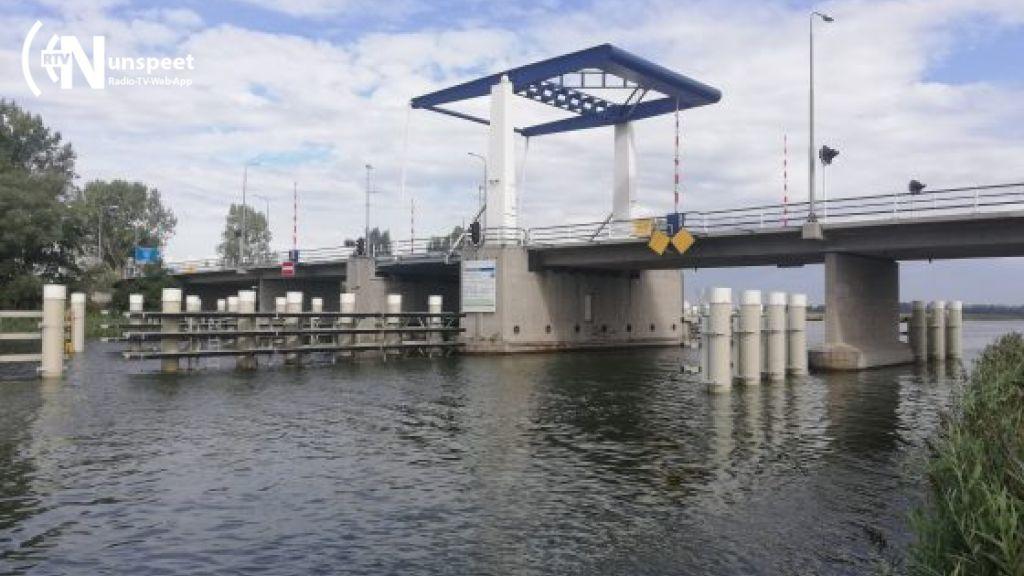 'Geen wachttijden meer', aquaduct moet problemen rond Elburg oplossen (video)
