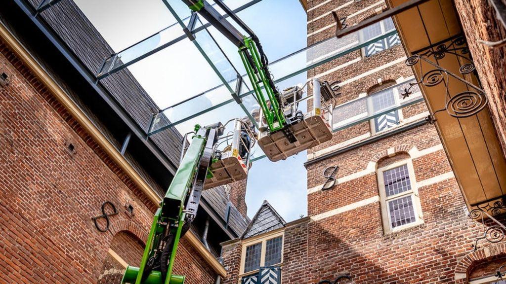Glazen overkapping boven binnenplaats Kasteel Wijchen