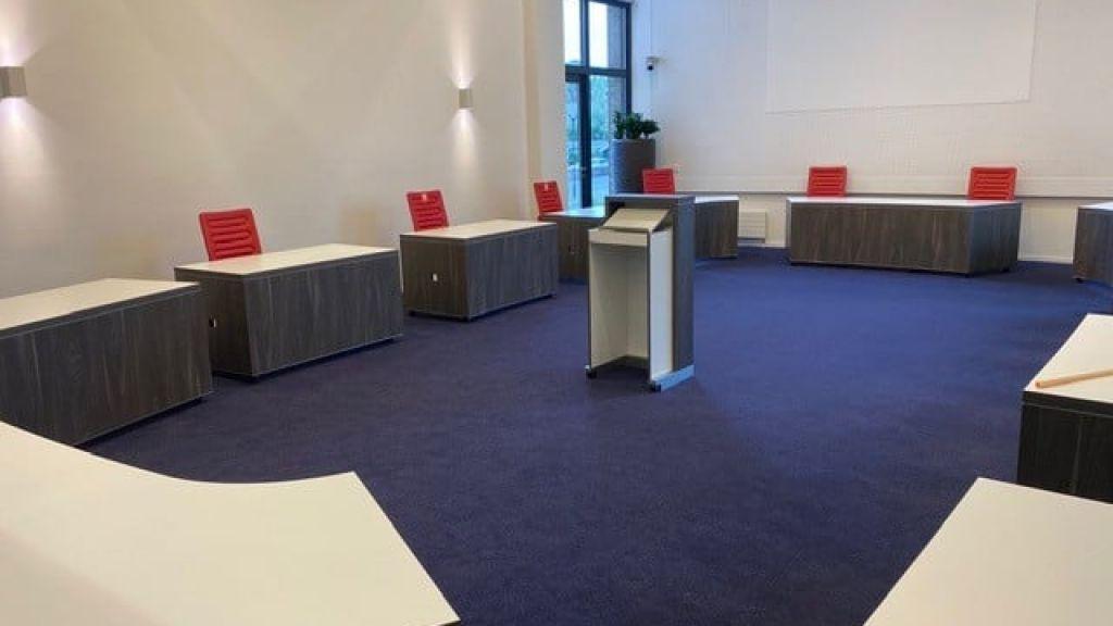 Carrouselvergaderingen Berg en Dal weer in het gemeentehuis; Raadsvergadering volgt waarschijnlijk in juli