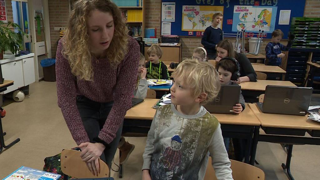 Van de horeca naar vrijwilliger op de basisschool: 'Dit is echt fantastisch'