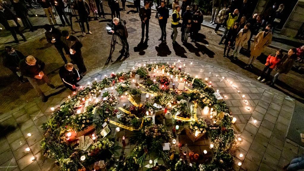 Herdenking met lichtjes voor doodgeslagen Arnhemmer. Foto: ANP