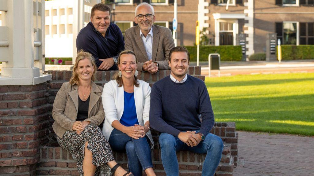 Het bestuur van de nieuwe politieke partij Eén-Ermelo. Foto: Eén-Ermelo
