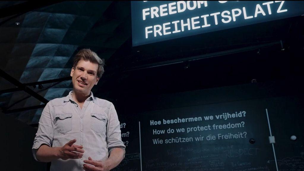 Lucas v.d. Meerendonk in het Vrijheidsmuseum Foto: Vrijheidsmuseum