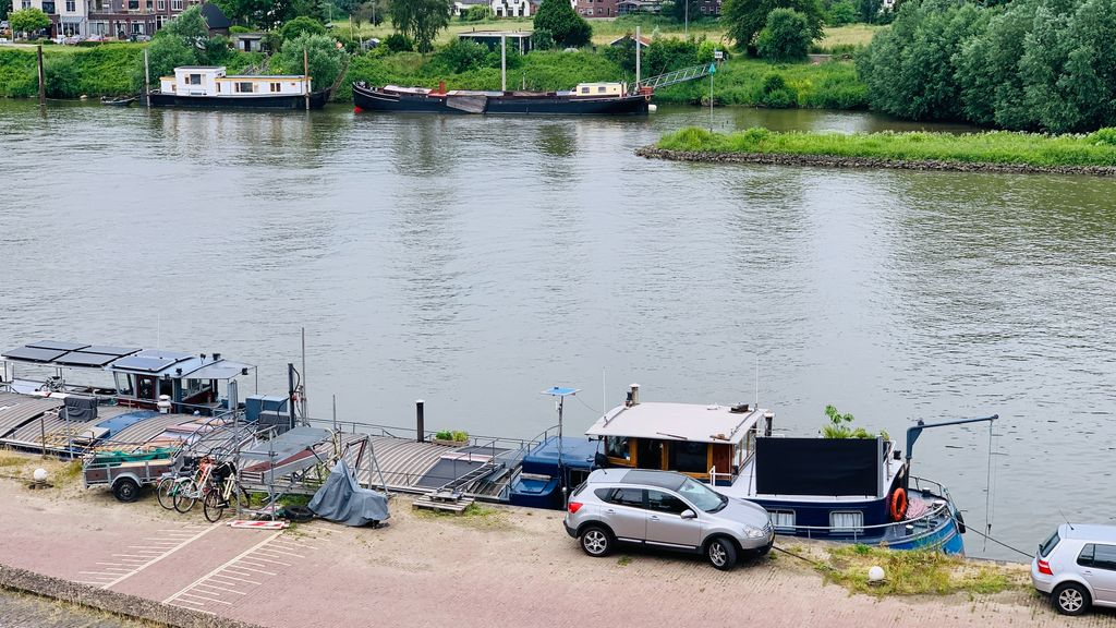 Niek geniet weer van unieke woonstek, overlast Arnhemse Rijnkade voorbij