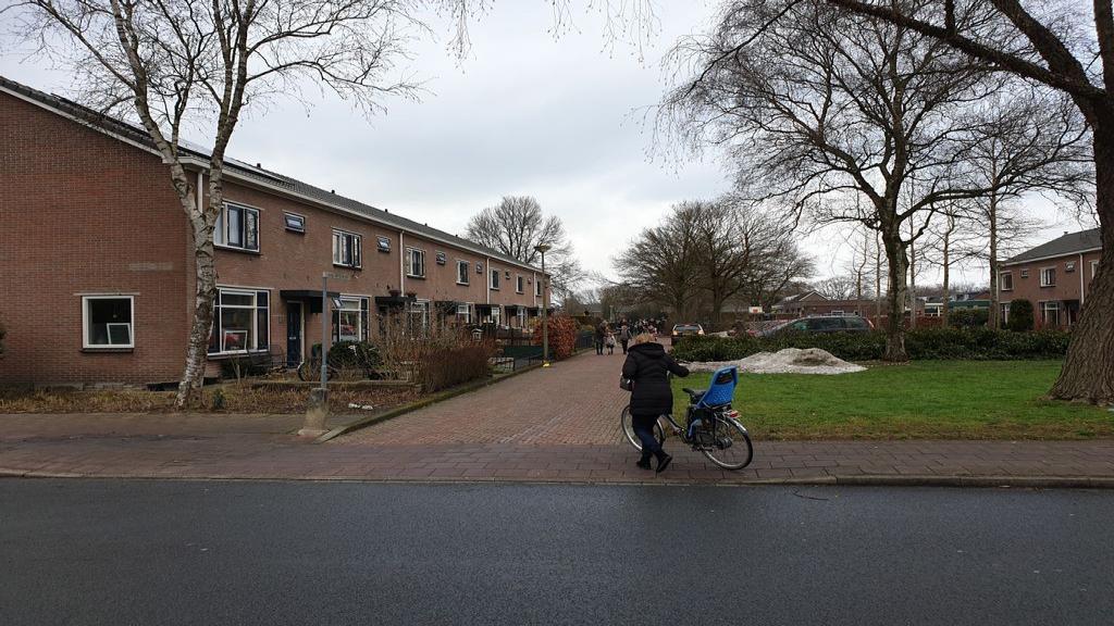 Aantal bewoners maakt zich zorgen over veiligheid en parkeren rondom school
