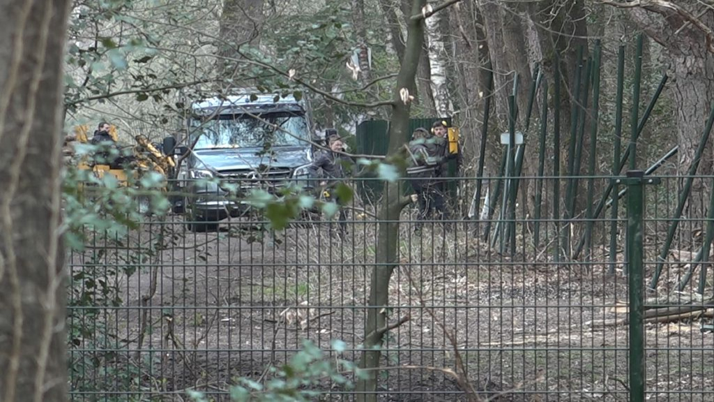 Wandelaars boos over afsluiting 'hun' bos in Vaassen