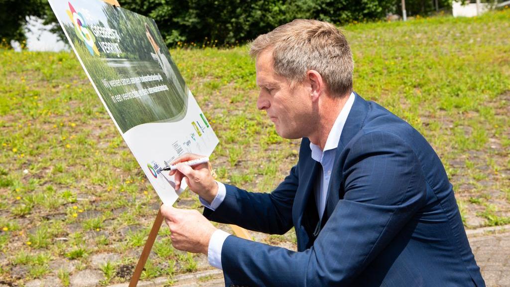 Acht partners zetten samen schouders onder gebiedsontwikkeling Grebbedijk