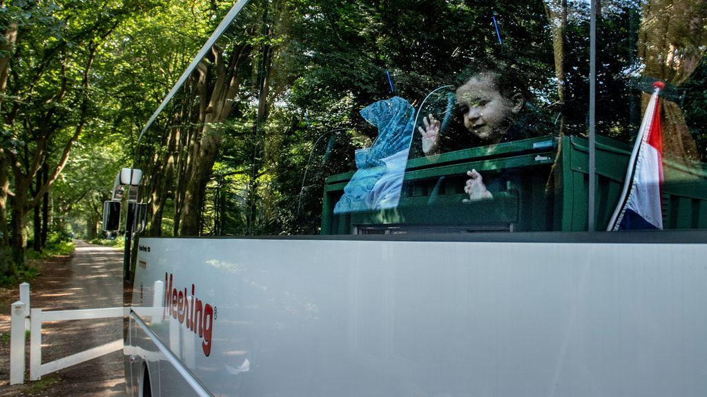 De eerste Afghaanse evacues komen aan in Heumensoord, 31 augustus 2021. De tijdelijke 200 extra asielzoekers die COA op 21 september overbrengt zijn 'reguliere' asielzoekers. Foto: ANP