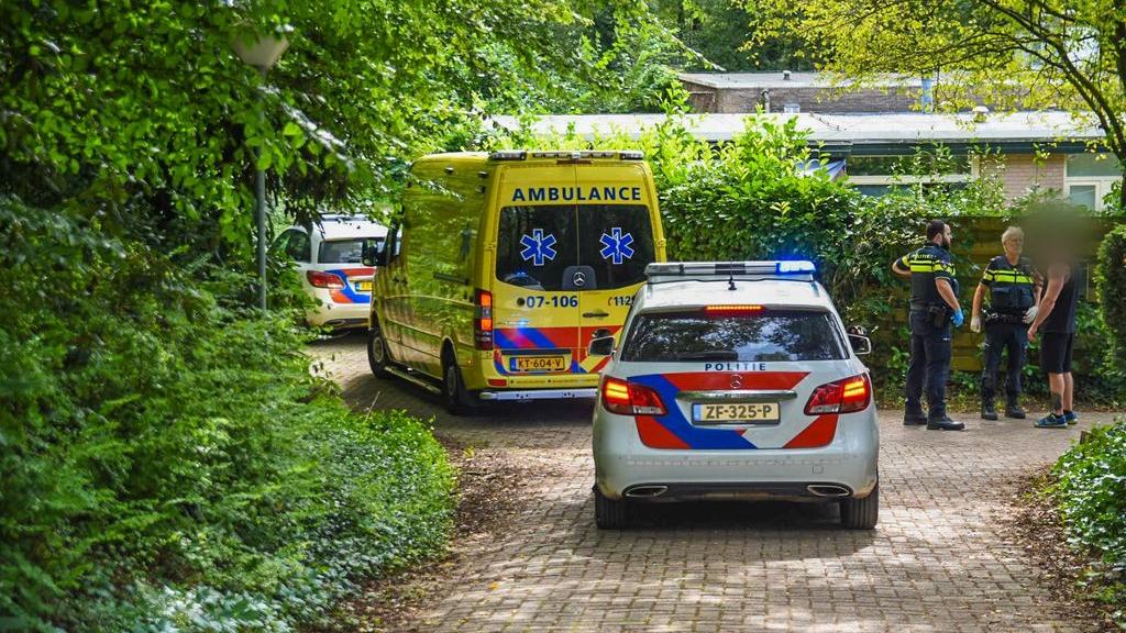 Politie en ambulance na het incident in Doorwerth. Foto: Persbureau Heitink