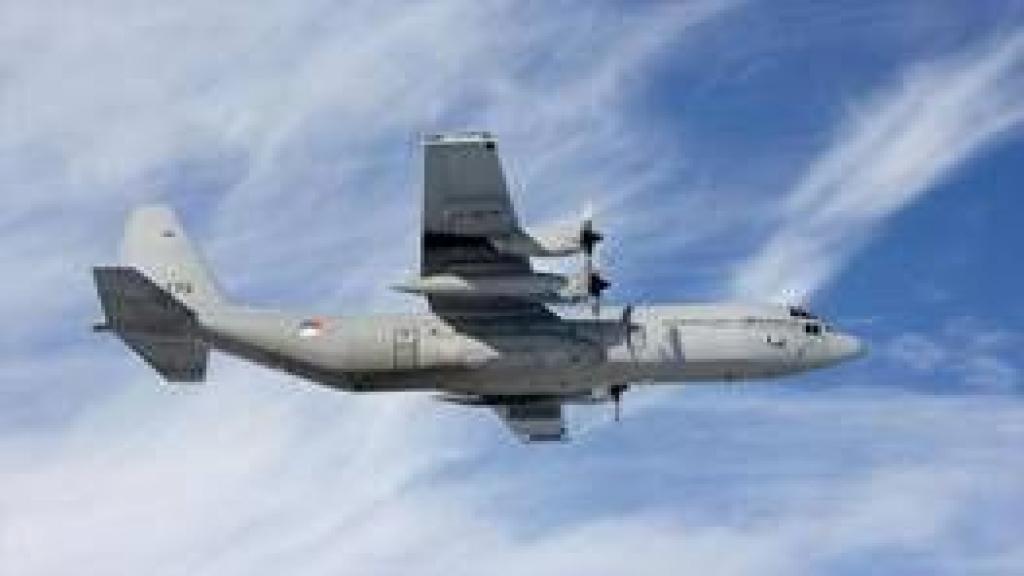 Oefening met C-130 Hercules transportvliegtuigen