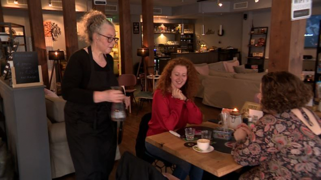 Dit restaurant blijft weigeren QR-code te scannen: 'Ik ga niet overstag'