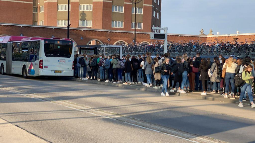 Bussen gaan vaker rijden, maar nog steeds minder dan vóór coronacrisis