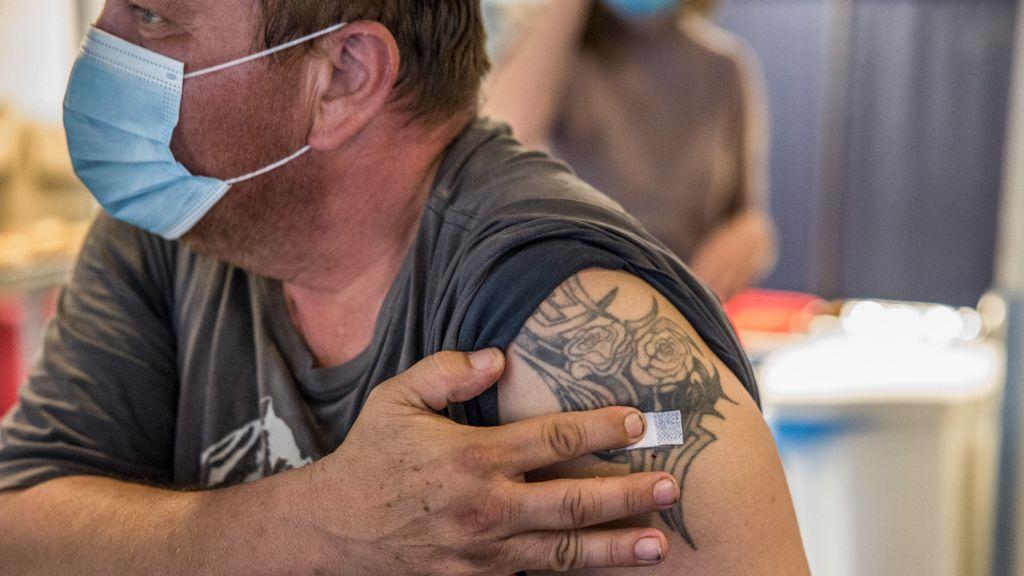 Een man is ingeënt tegen het coronavirus. Foto: ANP