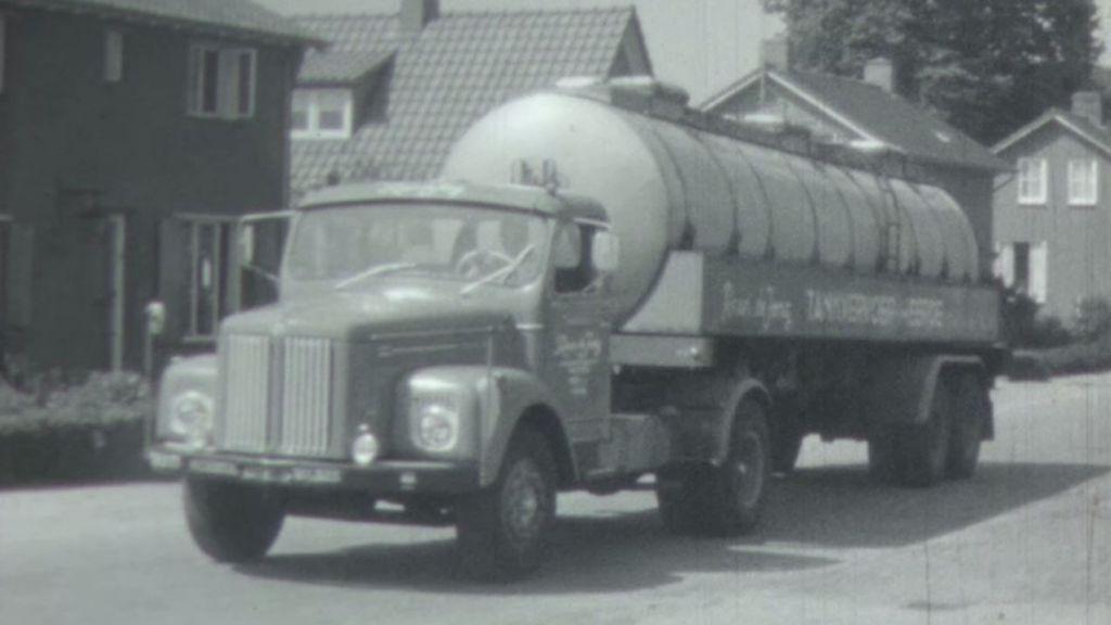 Heerde 1968: waar vrachtwagens zich vastrijden en papegaaien scholieren vermaken
