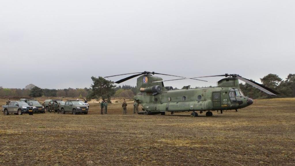 Chinook maakt voorzorgslanding door technische storing