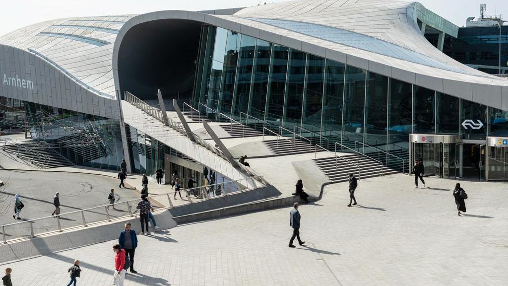 Arnhem Centraal is lek, mogelijke strop van 3 miljoen