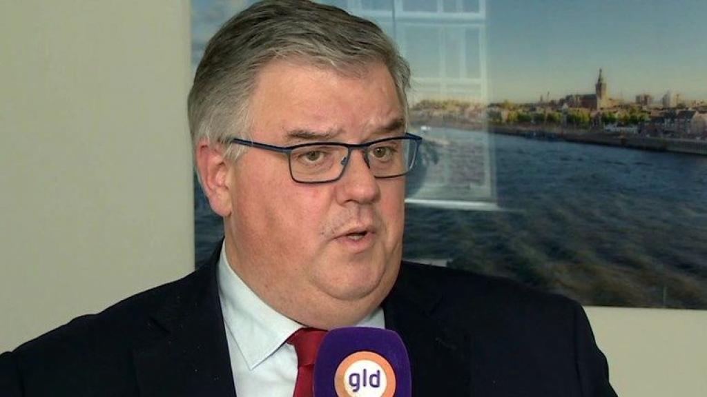 Burgemeester Hubert Bruls van Nijmegen zit in thuisquarantaine