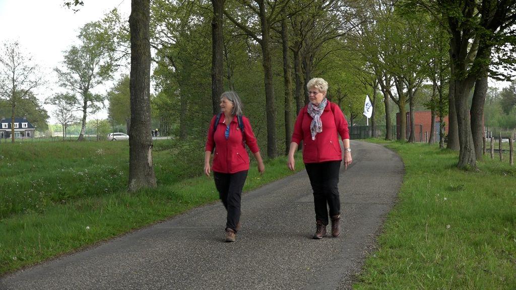 Geen Alpe d'HuZes, maar deze vriendinnen halen wel geld op voor kankeronderzoek