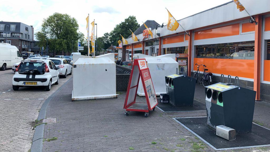 Avri wacht met containers op dorpsplein na protest