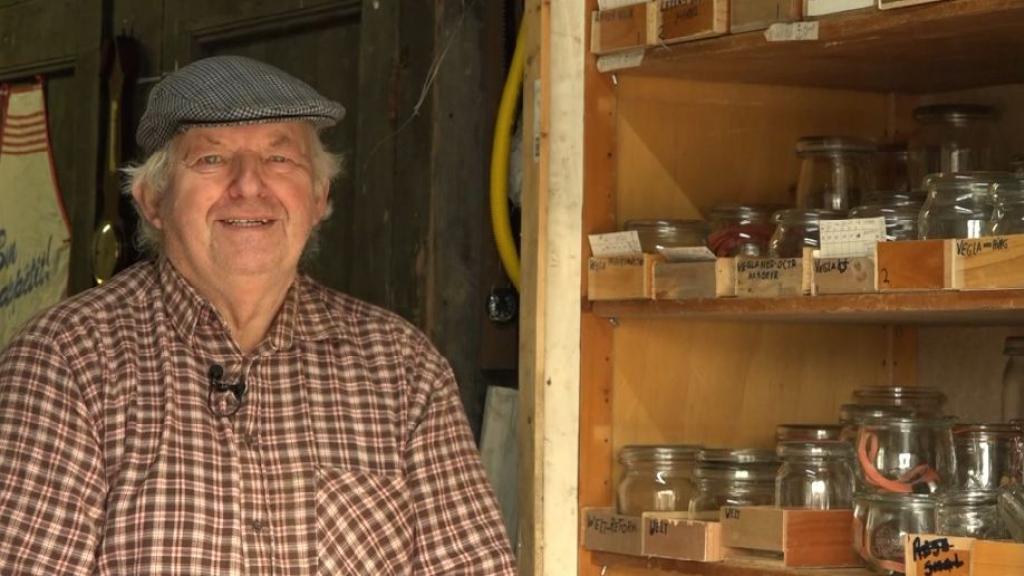 Wie kan Jan helpen aan meer informatie over glasfabrikanten van weckflessen?