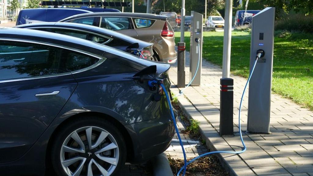 Meerdere locaties voor opladen van elektrische auto's in Scherpenzeel