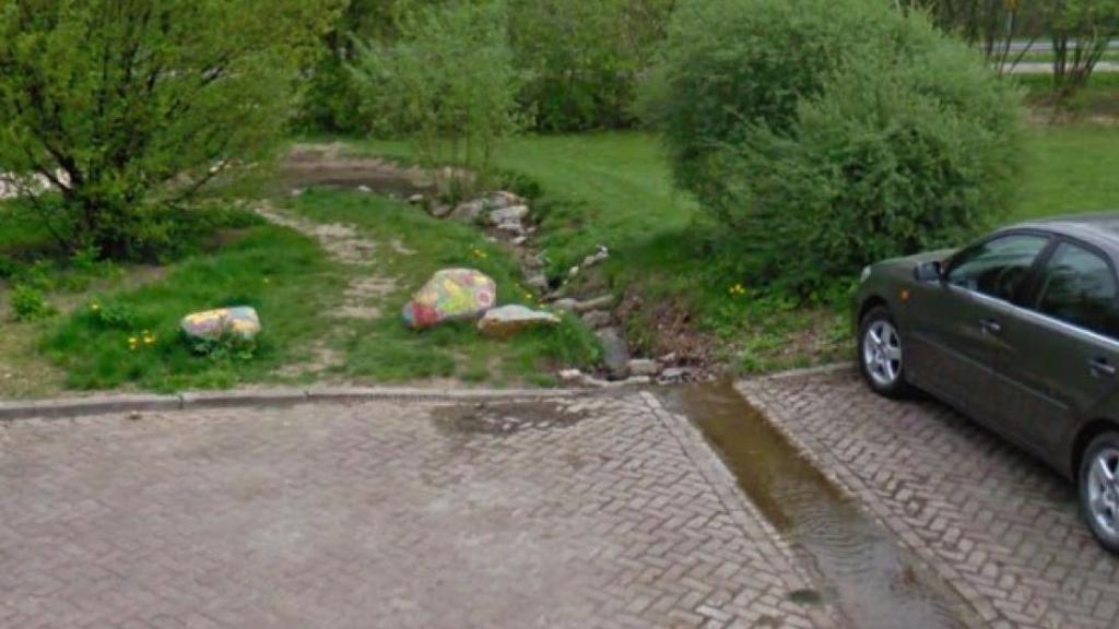Proef met nieuwe straatgoten in heuvelachtig Beek