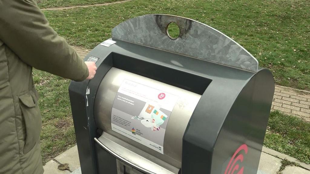 'Privacystrijder' vecht opnieuw tegen Arnhemse afvalpas