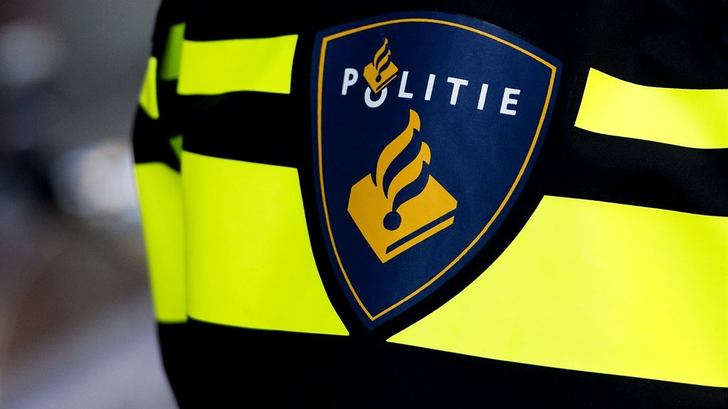 De arrestatie van een verdachte in Waardenburg heeft met 'Hedel' niets te maken, zegt de politie. Foto: Omroep Gelderland