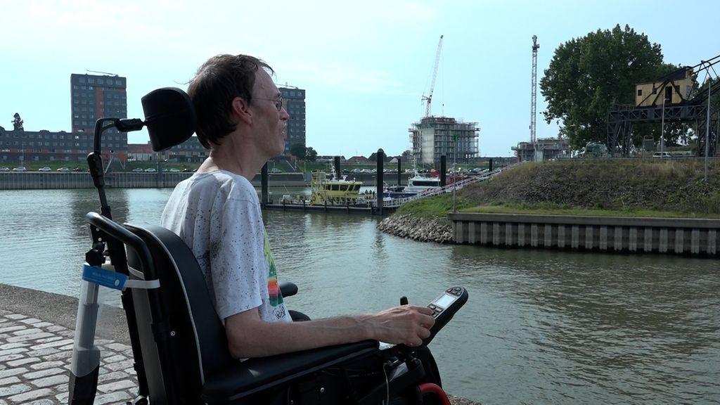 De brug van 2,5 miljoen die gepland is bij de Waalhaven is niet toegankelijk voor rolstoelen. Foto: Omroep Gelderland