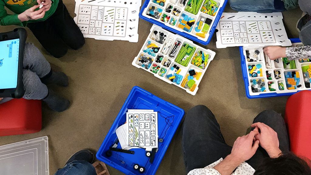 Leer robottaal door te bouwen met LEGO in de bblthk in Wageningen