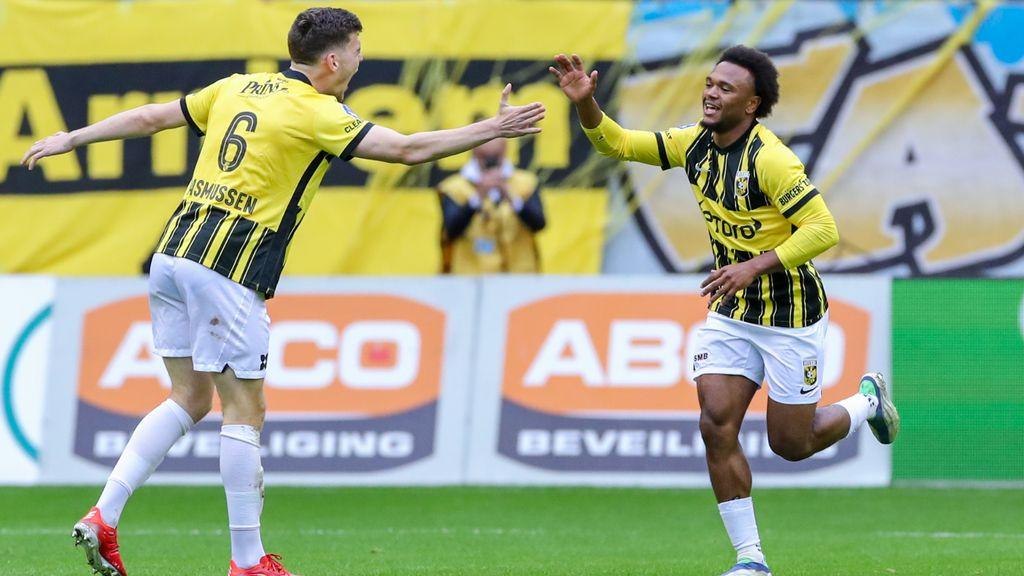 Vitesse stunt tegen Feyenoord ondanks rood aangelopen slotfase