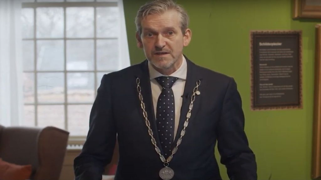 Burgemeester Hans van der Pas  Foto: YouTube
