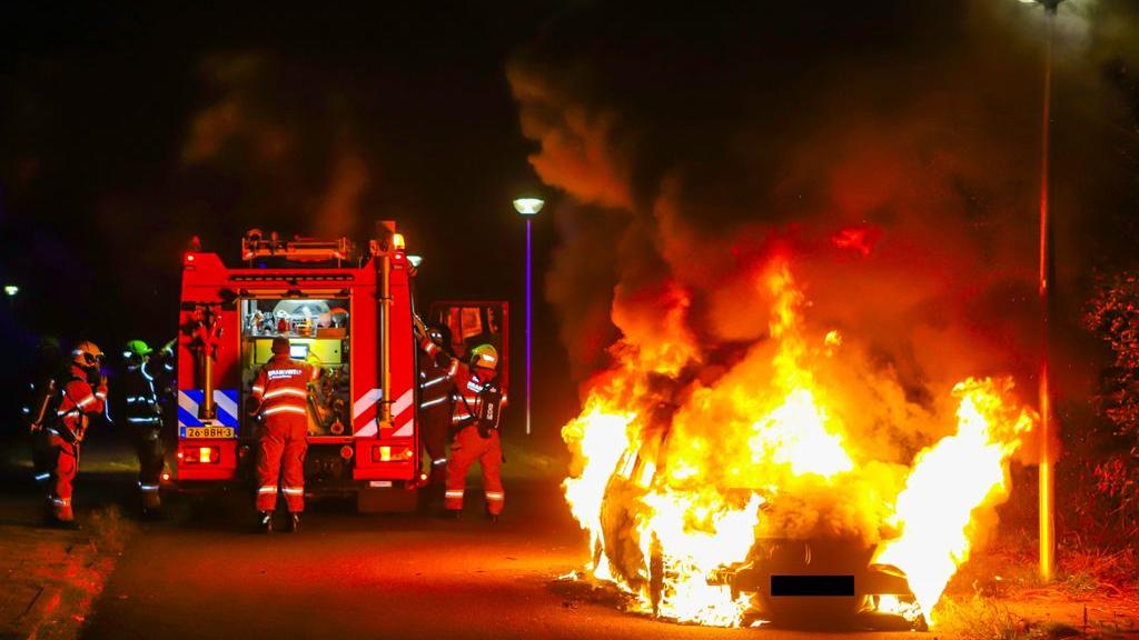 De nacht na de autobranden verliep volgens de politie rustig. Foto: Persbureau Heitink.