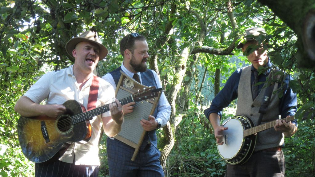 Cultureel festival De Oversteek lokt om de Waal over te steken